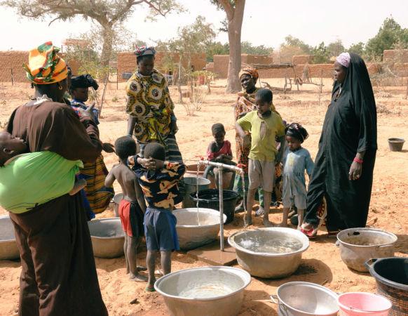 Fontaine a eau – Bondo Ténaau – Mali – 2010