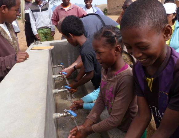 Lave mains ecole – Sendrisoa – Madagascar
